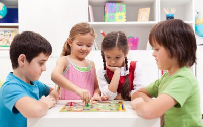 Melatih Kecerdasan Interpersonal Anak